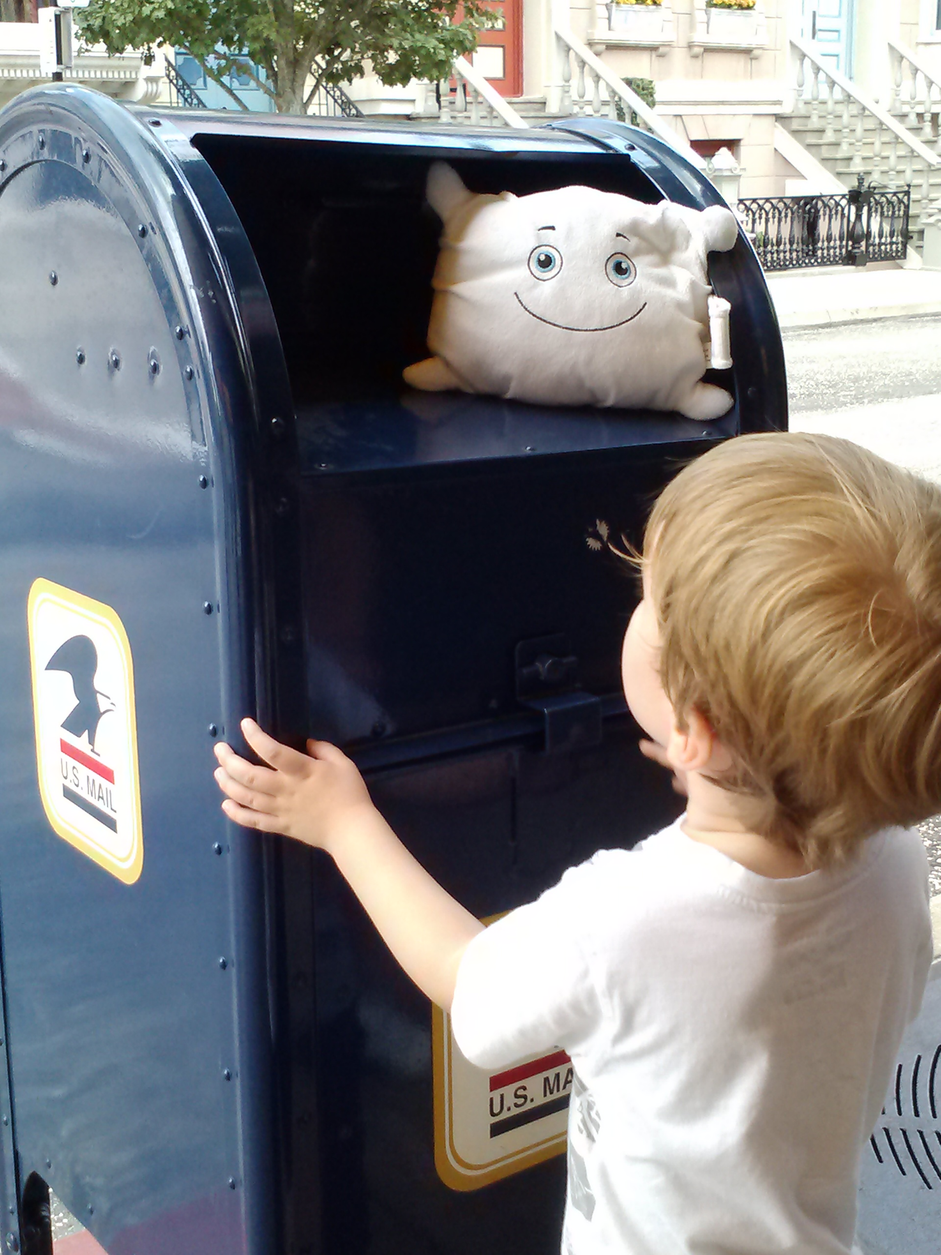 McStuffy tries to mail himself at Hollywood Studios