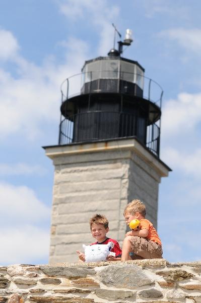 Pillow visits a Rhode Island lighthouse