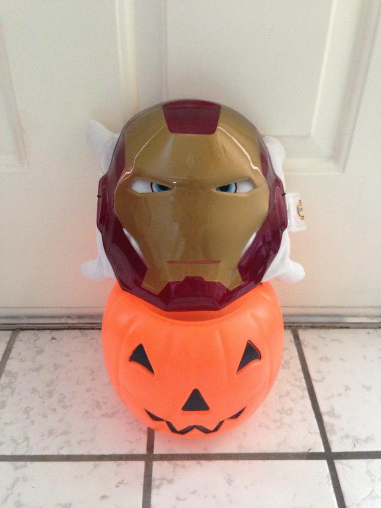 Pilwoah is all ready for Halloween